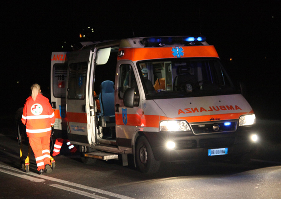 Incidente frontale a Cerveteri: due feriti, uno è grave