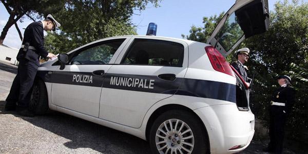 Roma: travolti mentre compilano il CID, i due ora sono in ospedale